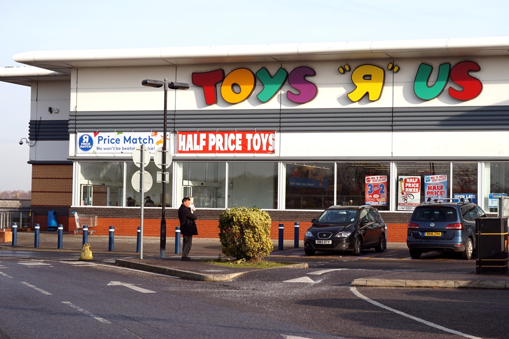 Toys R Us enters administration
