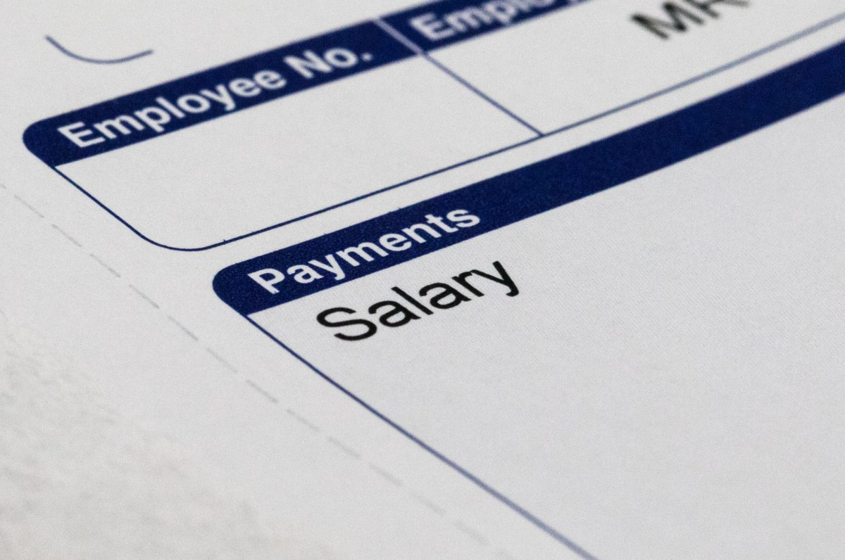 Pay cut for half of UK workers in 2020