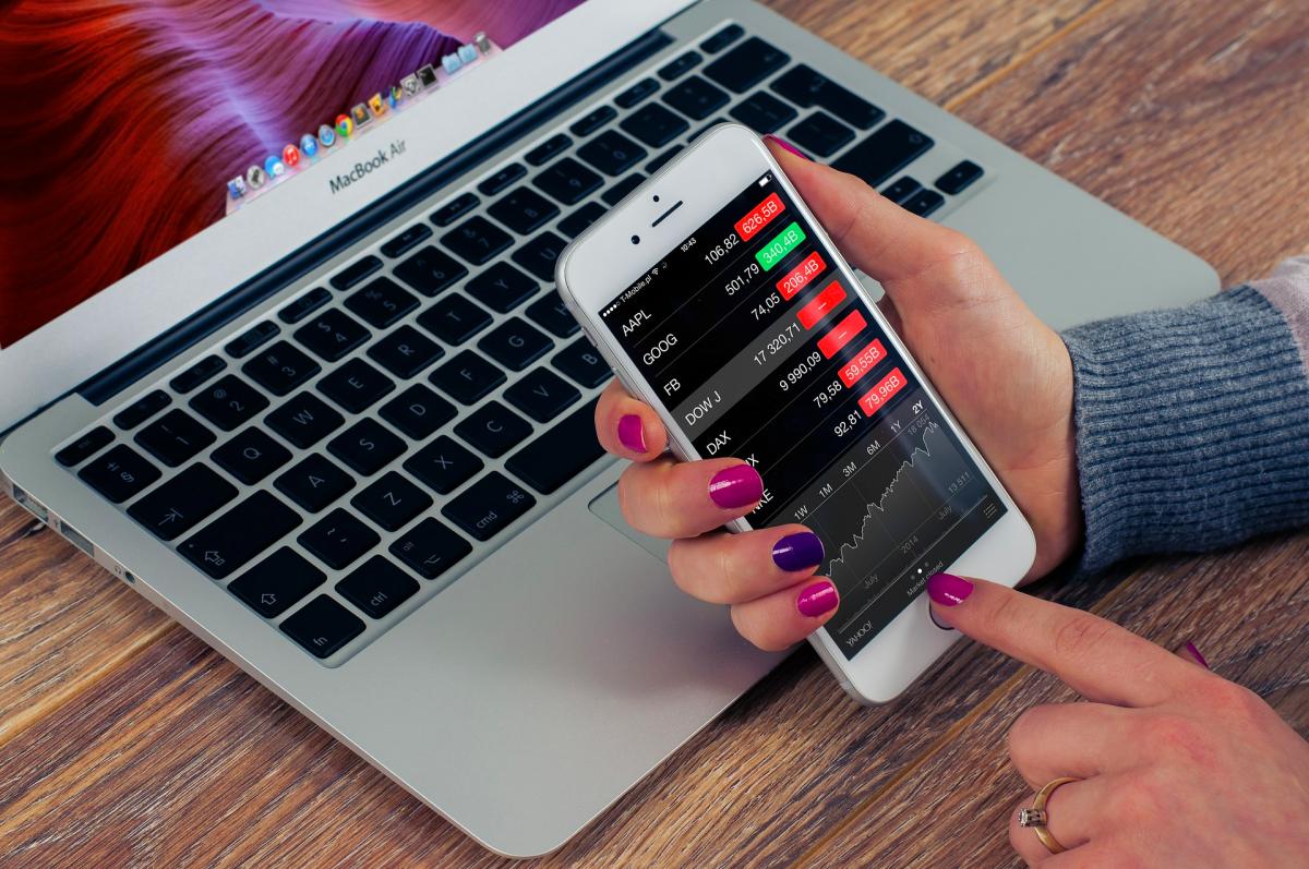 Will Apple's Services Revenue Decline After the Recent Court Verdict?